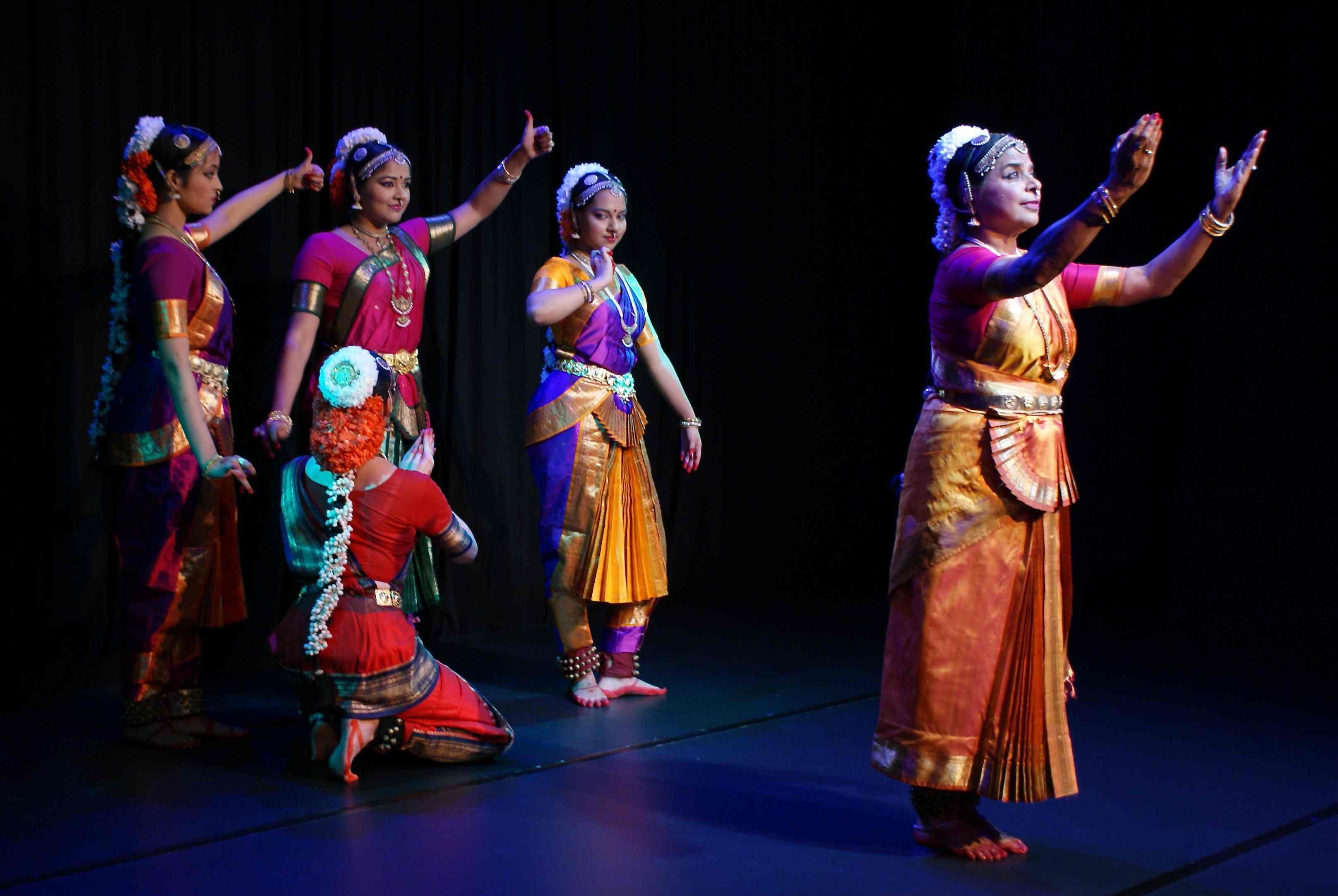 Vijaya Rao & Nateschwara Dancers in Ramayana